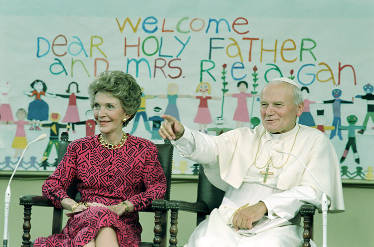 Nancy Reagan & Pope John Paul